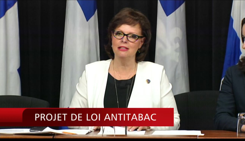 Vers un Québec sans fumée : Lucie Charlebois présente son projet de loi.