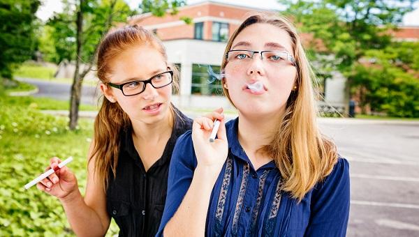 jeunes fumeuses cigarette électronique statistiques